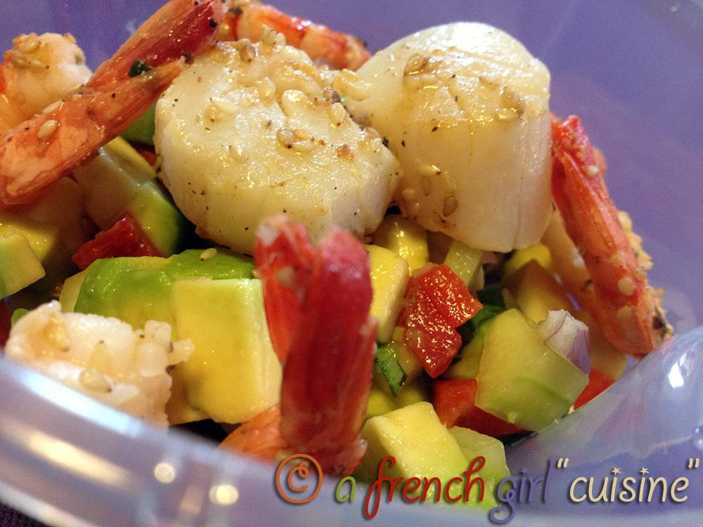 An exotic Bento: Avocado, Schrimps and Scallops Salad!