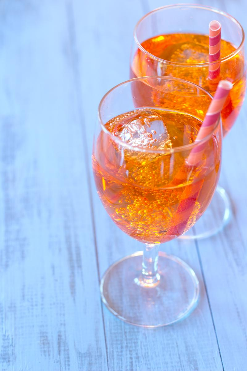 """Aperol spritz cocktail recipe - by a French girl """"cuisine"""""""