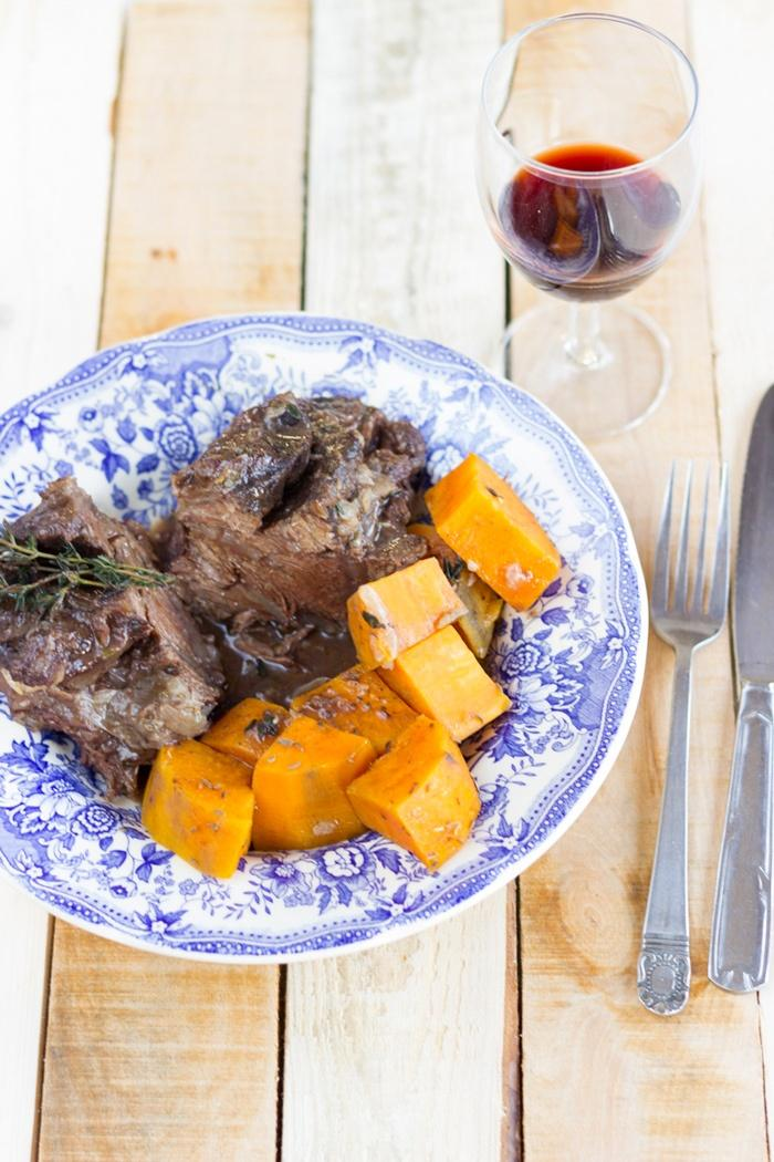 Braised beef cheeks recipe with sweet potatoes and quinces