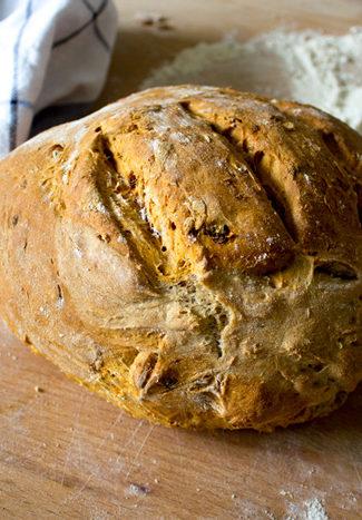 Dried tomatoes bread recipe