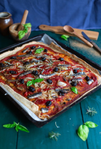 Marinated anchovies and red peppers pie