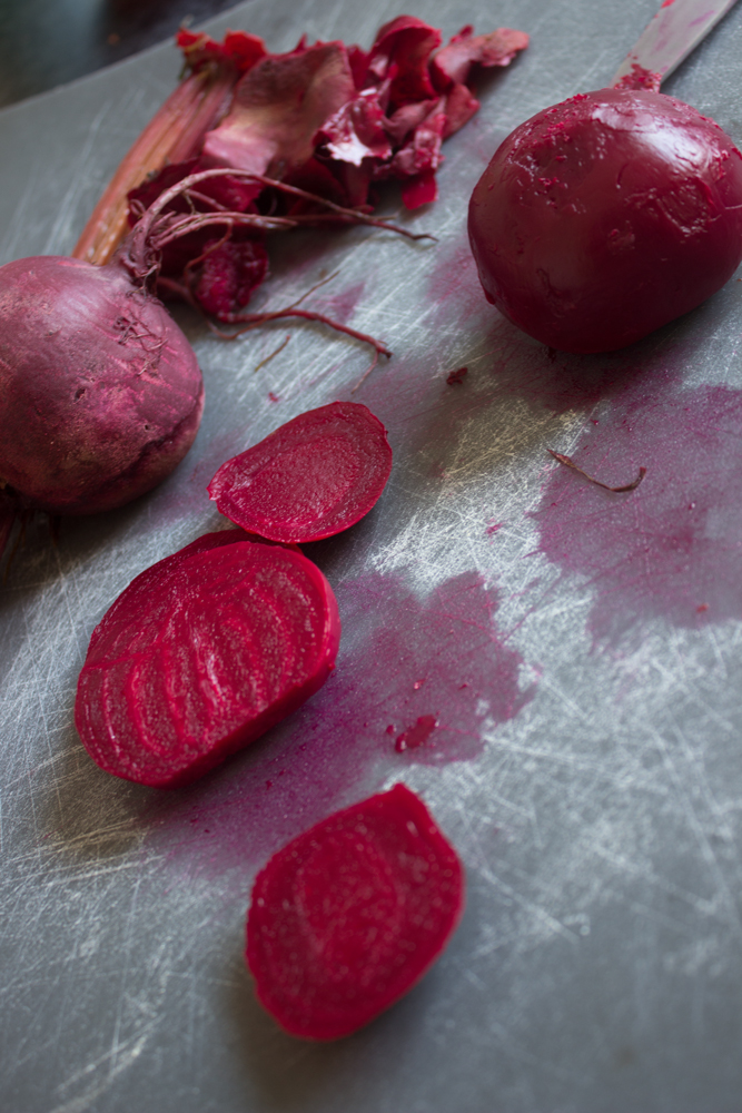 Verrine: Beetroot cream and parmesan chips