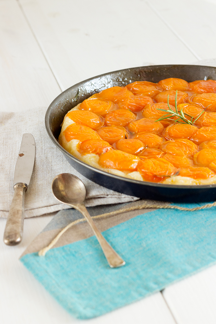 Apricot tart tatin recipe with rosemary