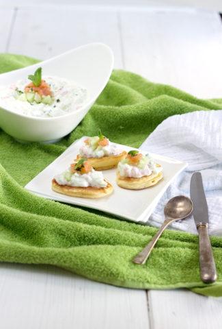 Blinis and tzatziki with Labeyrie smoked salmon
