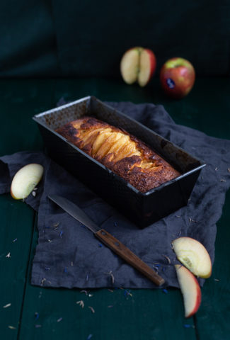 Caramelised JAZZ apple cake recipe