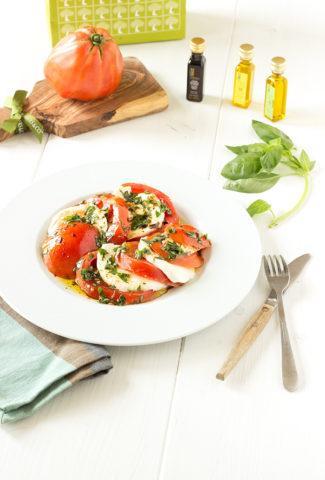 Fresh tomato and mozzarella recipe with lemon olive oil
