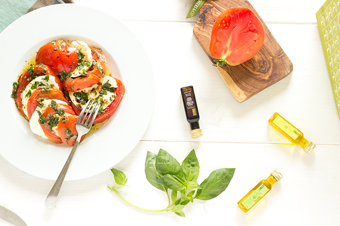 Fresh tomato and mozzarella recipe with lemon olive oil