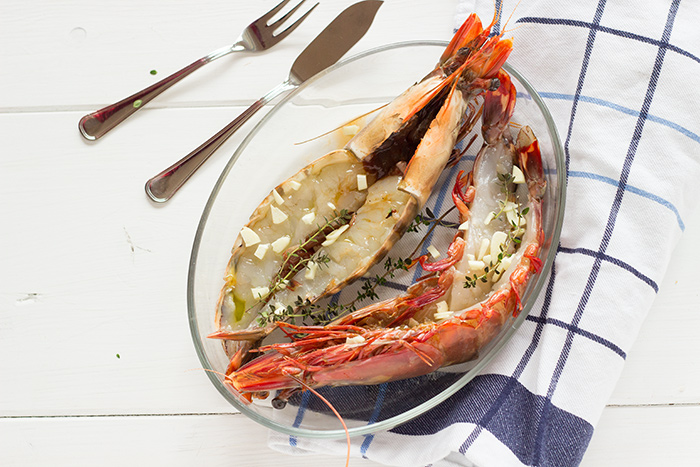 Giant prawns with garlic and olive oil