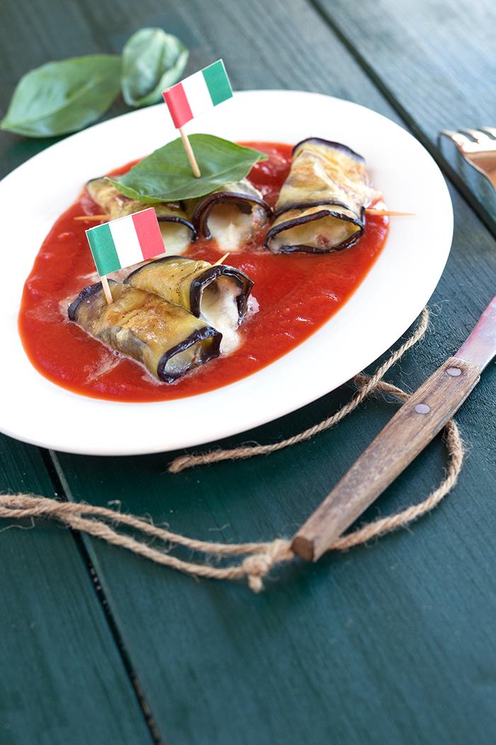 Involtinis d'aubergines, mozzarella et copeaux de jambon ibérique