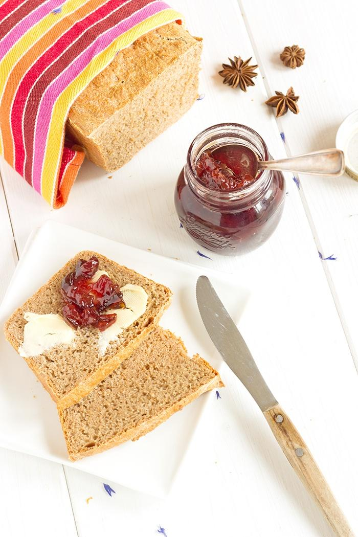 Plum jam with spices