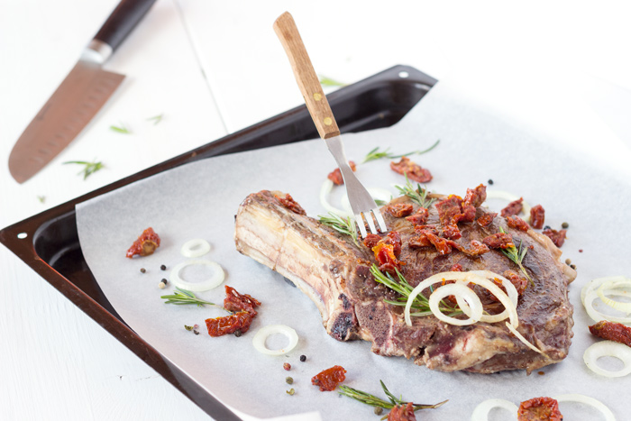 Rosemary marinated prime beef with dried tomatoes & oignons