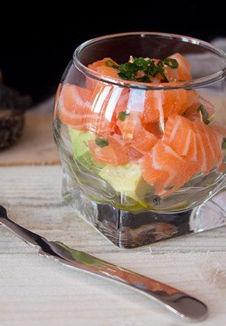 Salmon tartare avocado verrine