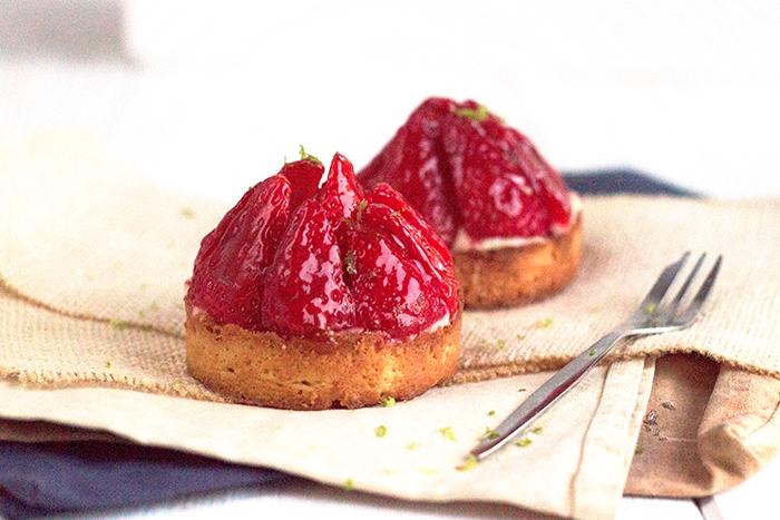 Tartelettes aux fraises, crème pâtissière au citron vert