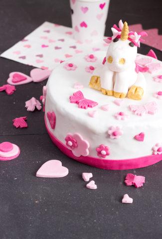 Unicorn birthday cake - cake design