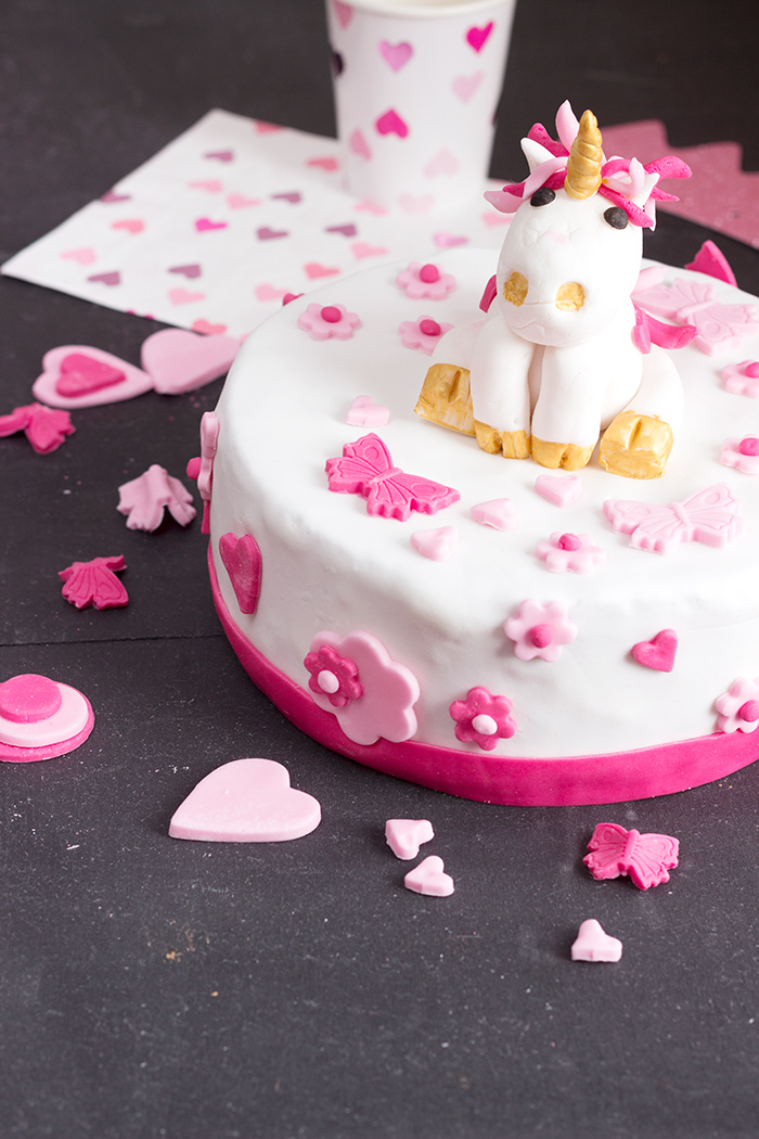 Astonishing Unicorn Birthday Cake Cake Design A French Girl Cuisine Personalised Birthday Cards Veneteletsinfo